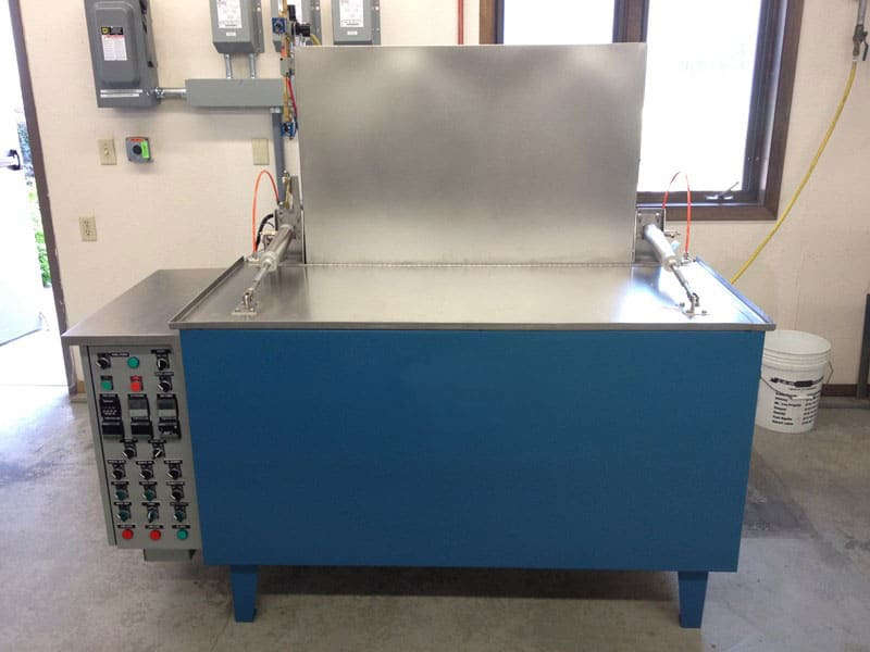 Wash-Rinse-Dry Parts Washer with Oil Removal System